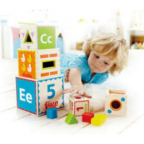 Cubos de Encaixe- Pyramid of Play Stapel